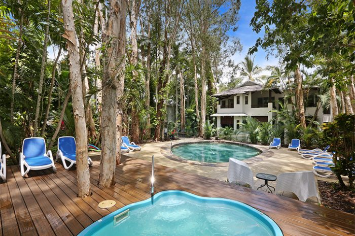 Reef Retreat Palm Cove Pool