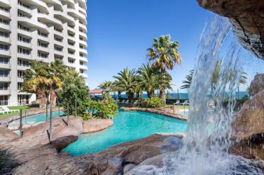 Rendezvous Hotel Pool