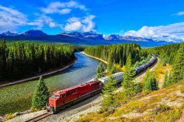 Rockies Mountain Train, Canada