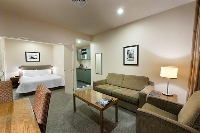 Scenic Auckland Room