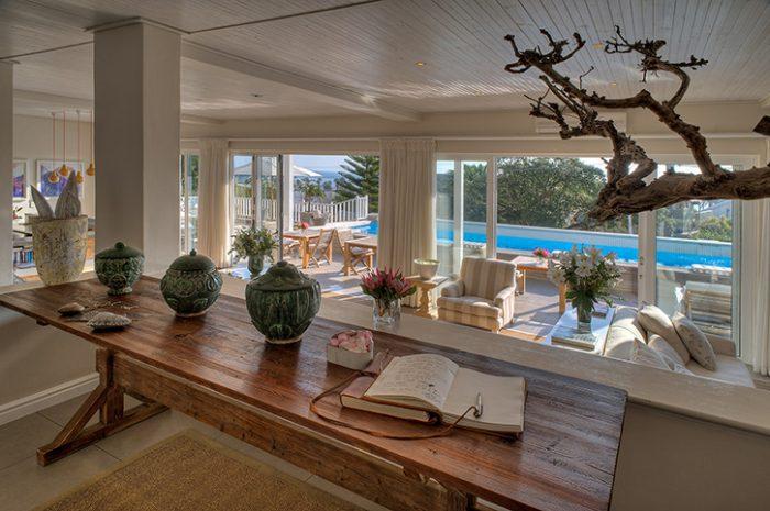 Sea Five Lounge Area
