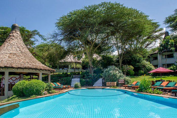Serena Manyara pool