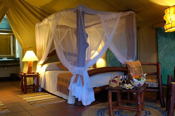Serena Mbuze Mawe Tent Interior