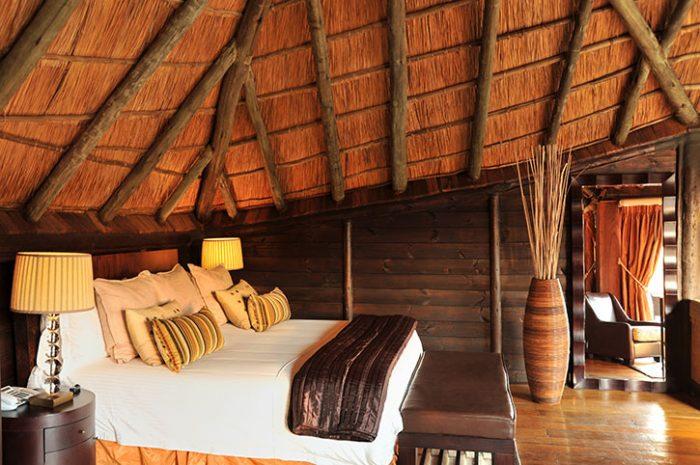 Serena Mivumo Lodge room