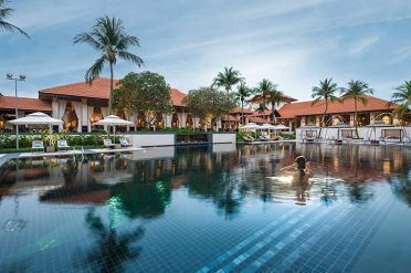 Sofitel Sentosa Resort Swimming Pool