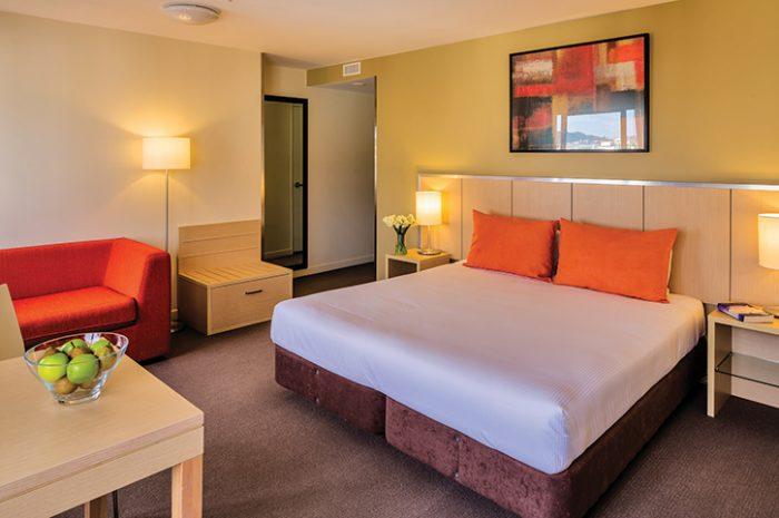 Travelodge Wellington King Triple Room