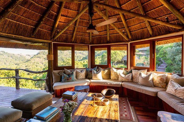 Treetops Safari Lodge Lounge