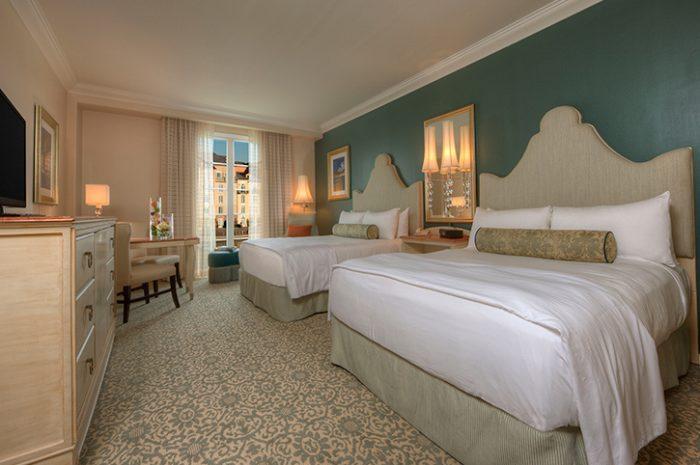 Twin Room Portofino Bay