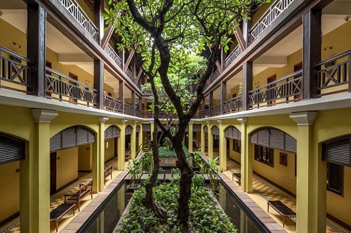 Victoria Angkor Resort Courtyard