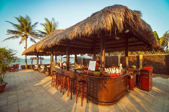 Victoria Beach Resort Top Bar