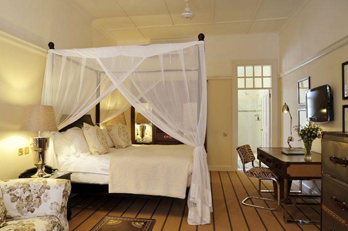Stables Signature Room, Victoria Falls Hotel