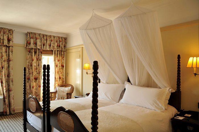 Standard Room, Victoria Falls Hotel