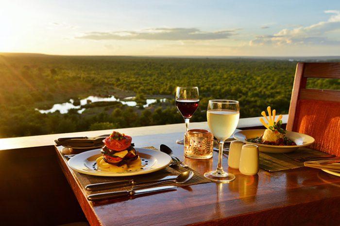 Makuwa-Kuwa Restaurant, Victoria Falls Safari Lodge