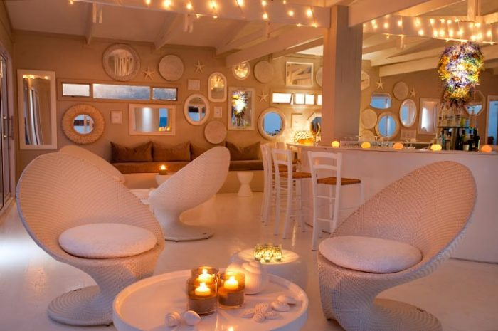 White Pearl Beachfront Bar