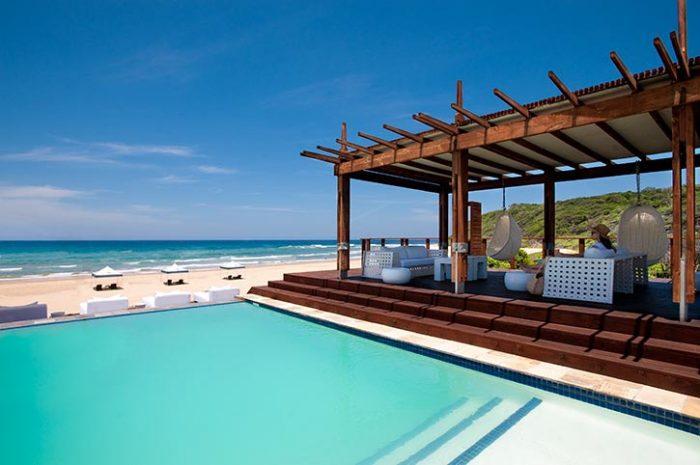 White Pearl Beachfront Pool