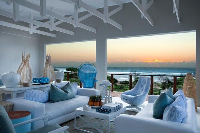 White Pearl Lounge Area