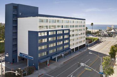Wyndham Santa Monica Pier Exterior