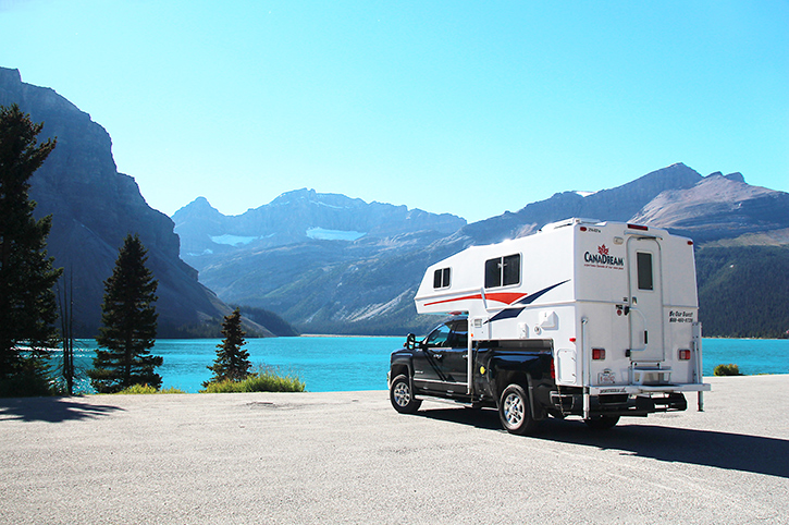 bow-lake-alberta_Canada